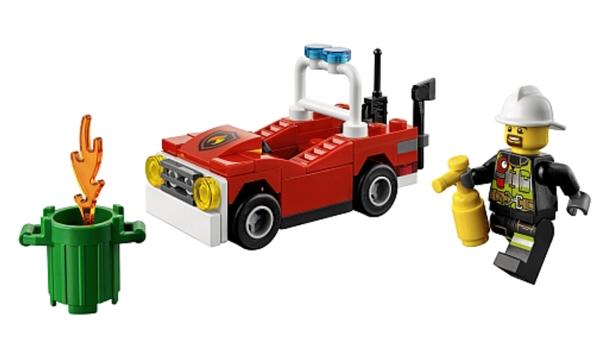 Lego city brandweerauto polybag lego 30347 for Brick city motors reviews